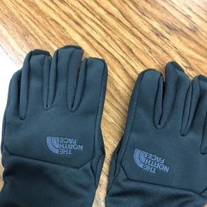 Small North Face Gloves